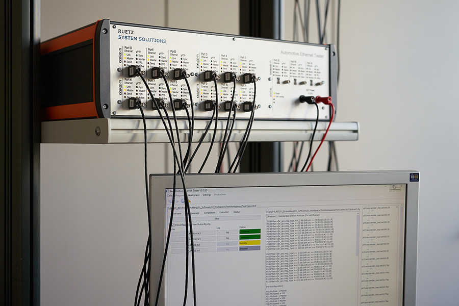 The Automotive Ethernet Tester (AET) is a highly-automated test system for TC8 switching and AVB/TSN tests